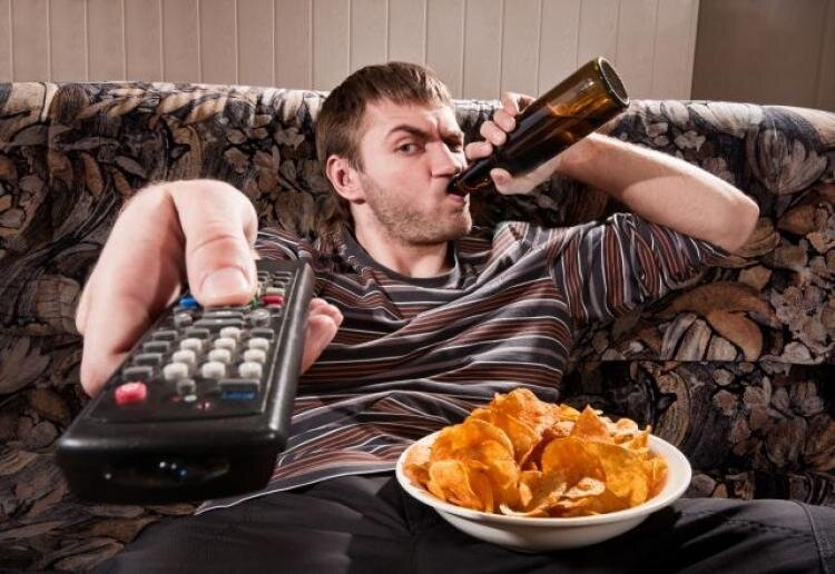 shutterstock-man-eating-tv