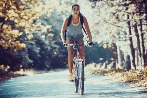 bisiklet sürerek bacaklarınızı inceltin
